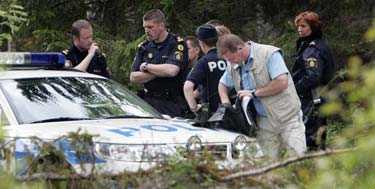Efter flera timmar kunde polisen gripa den beväpnade mannen i sommarstugan nära Bjursås på torsdagskvällen.