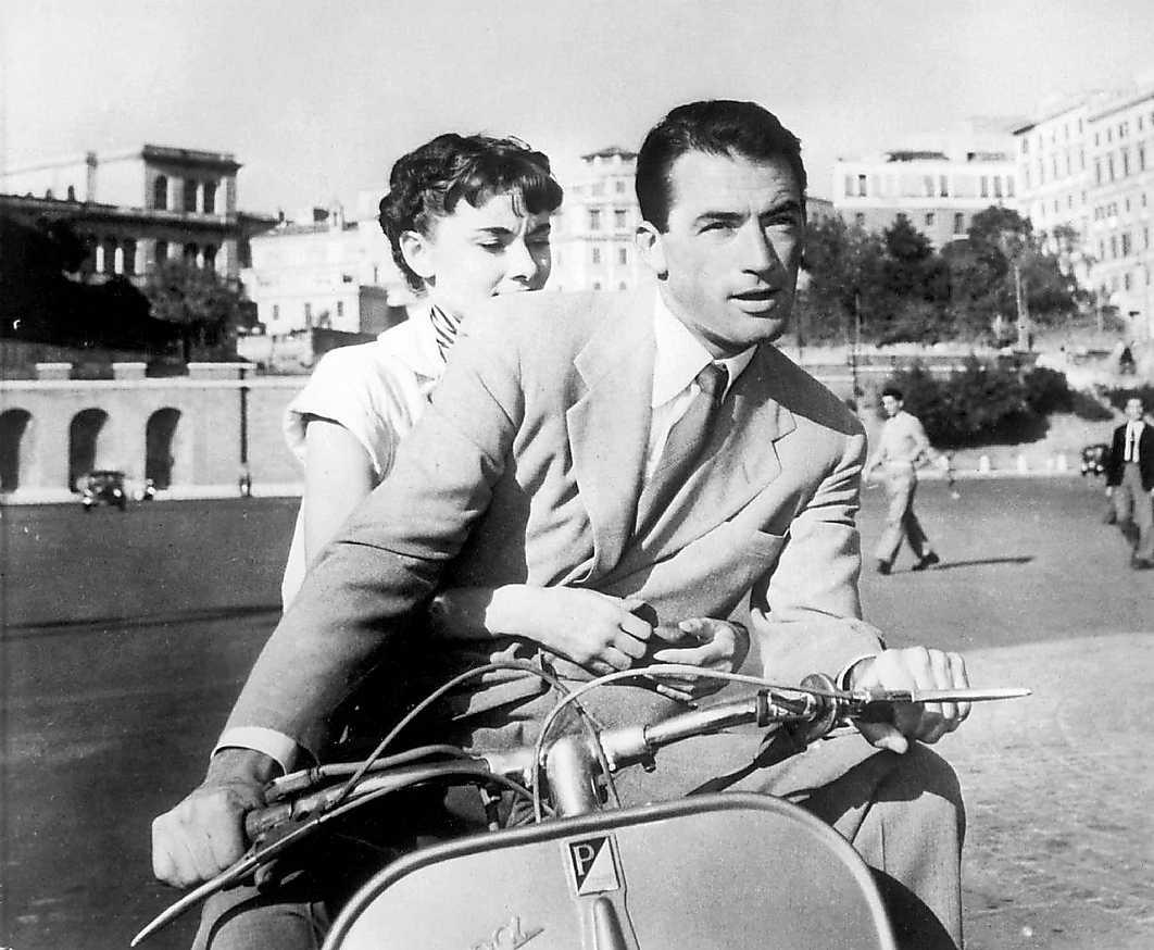 """Audrey Hepburn och Gregory Peck gör Rom i """"Prinsessa på vift""""."""