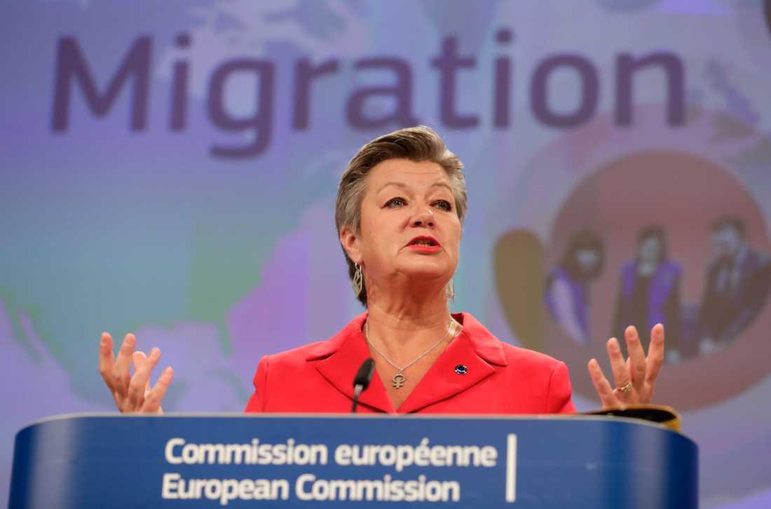 EU:s inrikeskommissionär Ylva Johansson presenterar sin asyl- och migrationspakt i Bryssel.