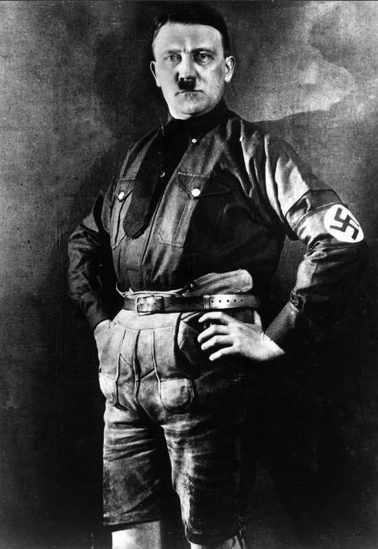 ...och Adolf Hitler i lederhosen. Foto: Scanpix