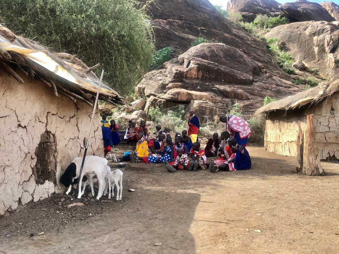 Projektet mot könsstympning i Olgulului-distriktet går bland annat ut på att avliva myter om kvinnor som inte stympats, till exempel att klitorisen växer sig stor om den inte skärs bort.