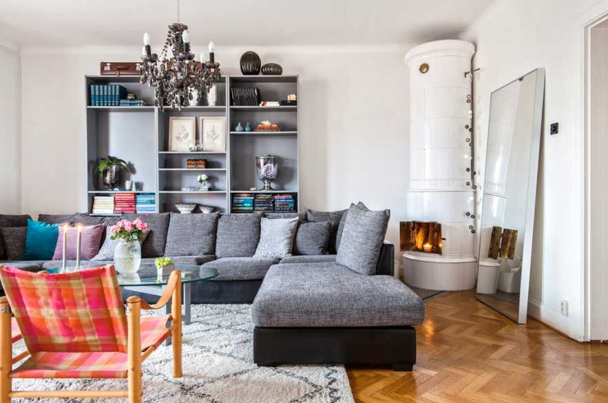 Lägenhet på 105 kvadratmeter på Ödmanssonsgatan 46 i Landskrona. Säljs för 1 100 000 kronor eller högstbjudande. Säljs via Landgren.