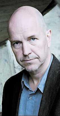 """Gellert Tamas (född 1963) har tidigare skrivit boken """"Lasermannen – en berättelse om Sverige""""."""