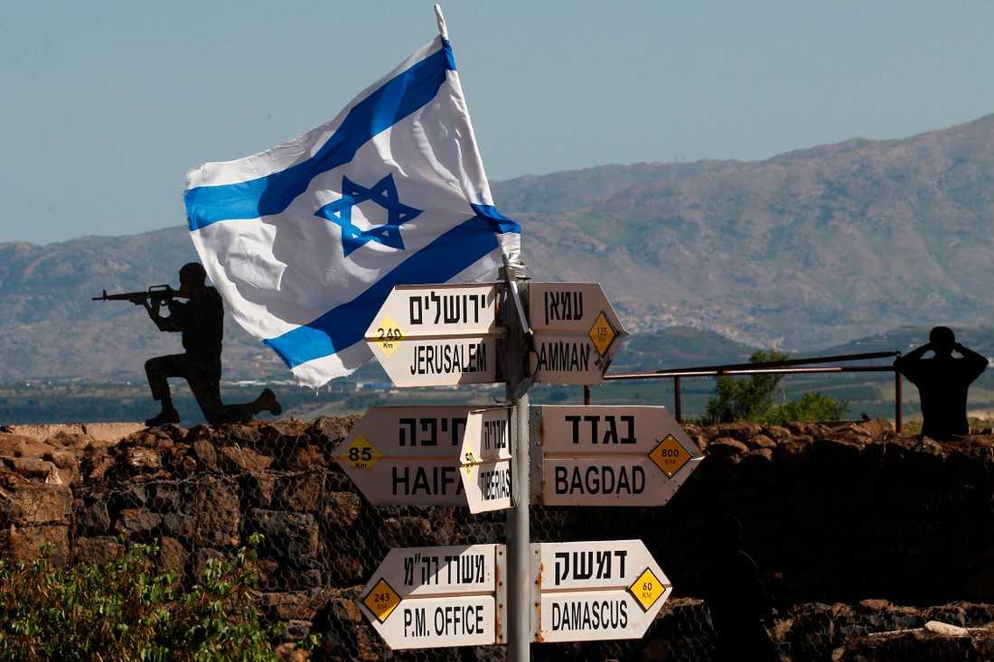 Israeliska soldater vid Golanhöjderna.