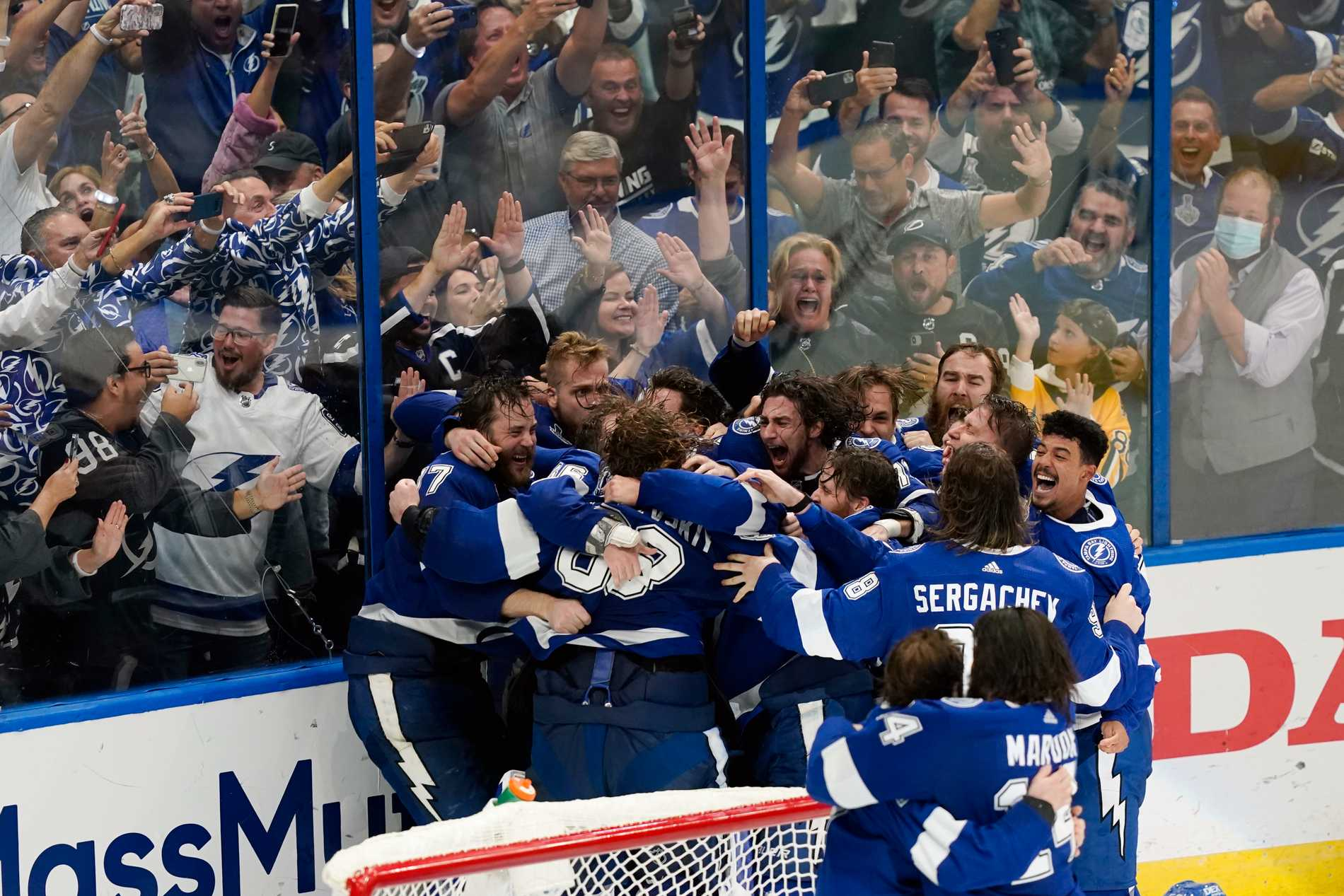 Tampa jublar efter Stanley Cup-segern.