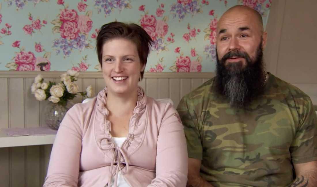"""Matilda och Sami Nikula i """"Familjen annorlunda"""" väntar sitt tionde barn"""
