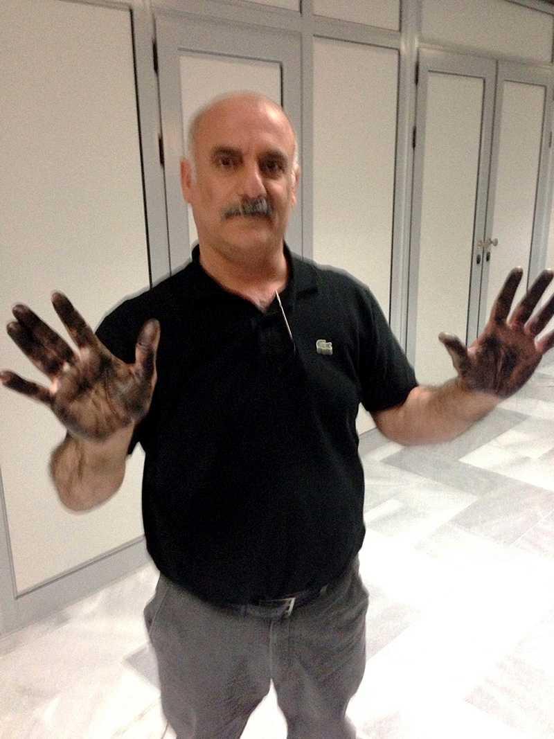Den bulgariska polisen tog fingeravtryck på Halef Tak. Kort därefter låstes han in, enligt familjen utan varken mat eller dryck.