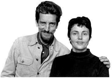 Per Wahlöö och Maj Sjöwall - tillsammans skrev de tio romaner som kom att skapa en helt ny genre: den samhällskritiska polisromanen.