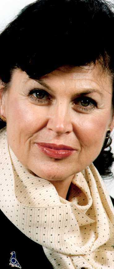 Fick ducka Charlotte Cederschiöld (m) ledde debatten när de nya länderna skulle hälsas välkomna till EU.