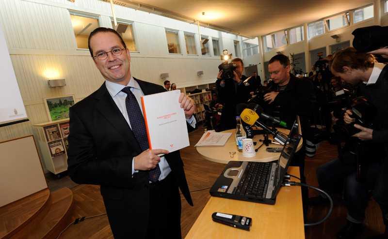 Anders Borg (M) presenterar alliansens budgetproposition.