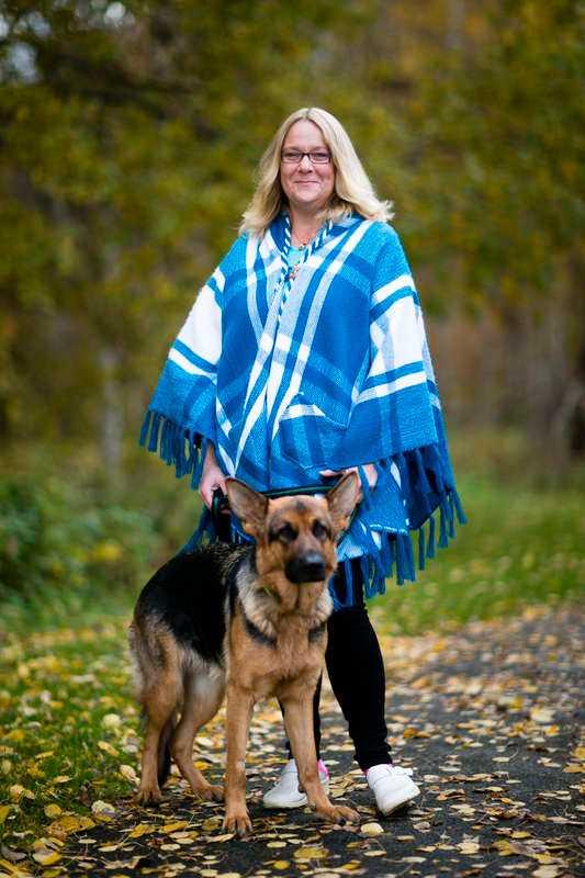"""""""Jag blev så glad att jag grät"""" Utförsäkrade Lotta Johansson, 45, fick kämpa i tre år och tre domstolar - men nu har hon fått slutgiltigt rätt mot Försäkringskassan. 41 månaders sjukersättning betalas ut i efterskott och pengarna ska bland annat gå till barnbarnets födelsedagspresent."""
