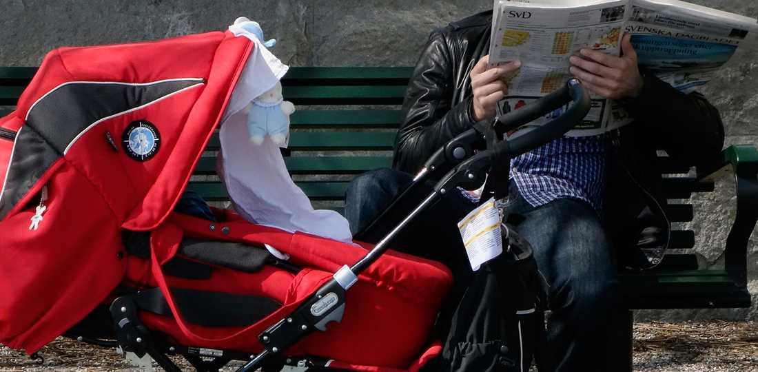Den heta solen kan förvandla barnvagnen till en dödsfälla.