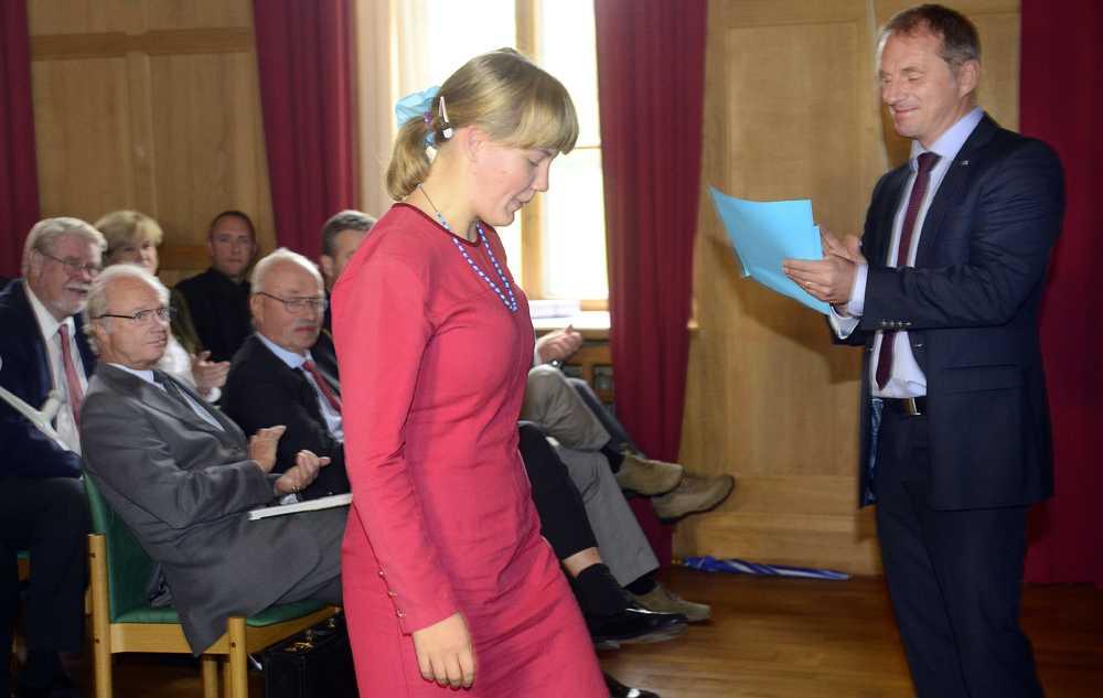 Kungen satt i publiken när Alva Snis Sigtryggsson, 19, skulle få sitt pris.