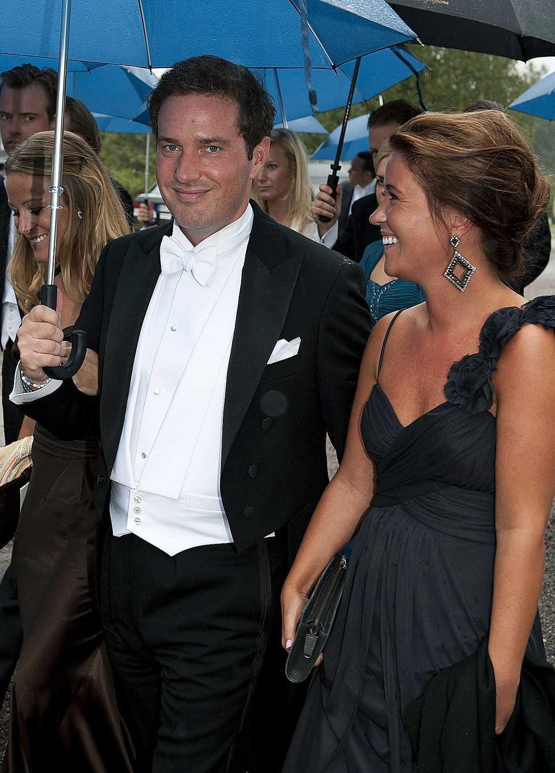 Prinsessans pojkvän Chris O'Neill fick sällskap av Carl-Philips exflickvän Emma Pernald.