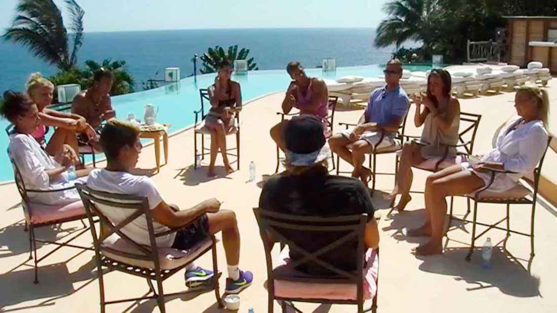 """Spavecka med terapi i """"Paradise Hotel""""."""
