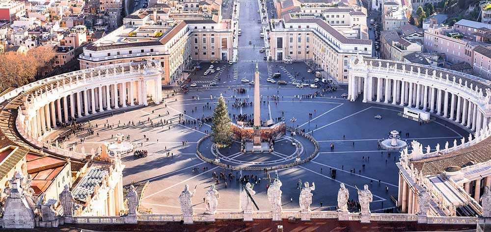 Vatikanstaten är fullt av ovärderliga och intressanta konstverk.
