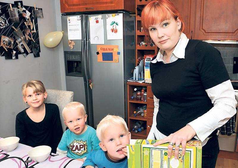 """Den 11/10 2009 skrev sjukskrivna Alexandra Johansson om oron inför framtiden. I dag har hon nästan helt tappat hoppet. """"Mitt skyddsnät är borta. Säkerheten om att jag kan sätta mat på bordet åt mina barn är borta"""", skriver hon."""