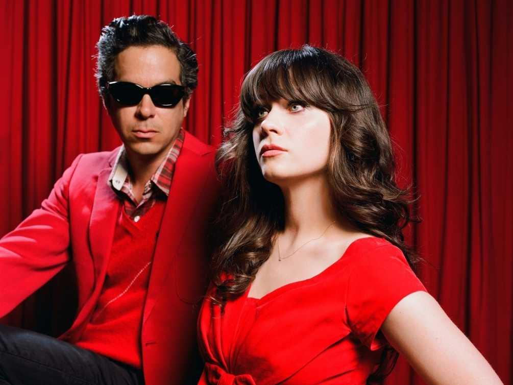 She & Him måste vara definitionen av julmusik i indieform.