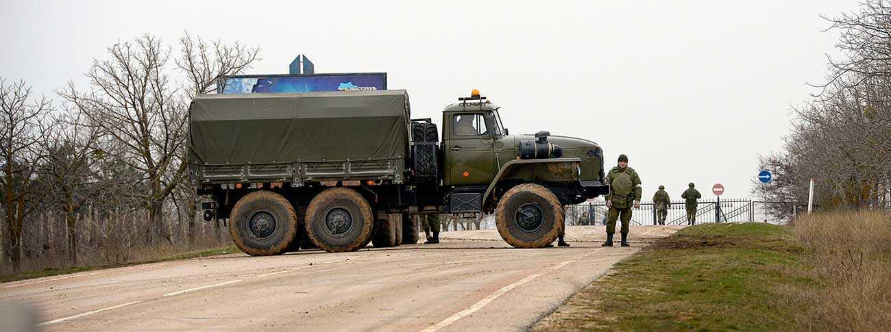Ryska trupper i Sevastopol på Krim, för en månad sen.