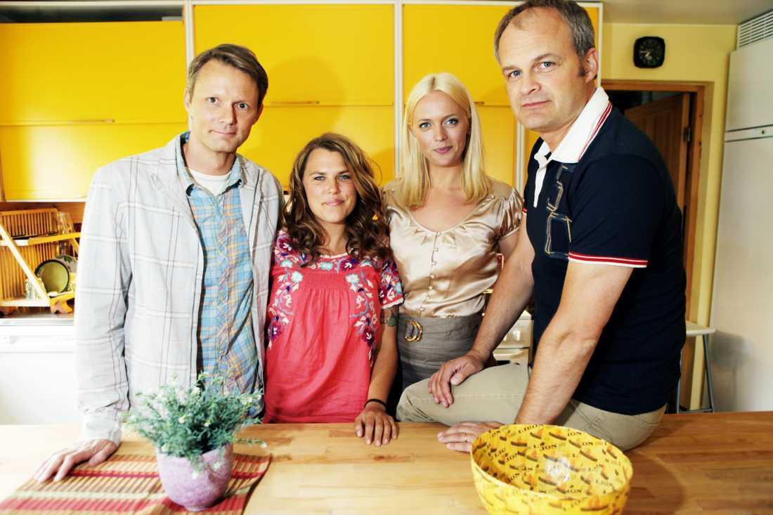 """MIa Skäringer med de andra huvudkaraktärerna i """"Solsidan""""."""