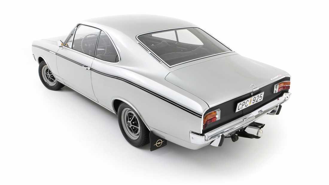 Sportiga Opel Rekord Sprint Coupé var toppmodellen bland modellerna med fyrcylindriga motorer.