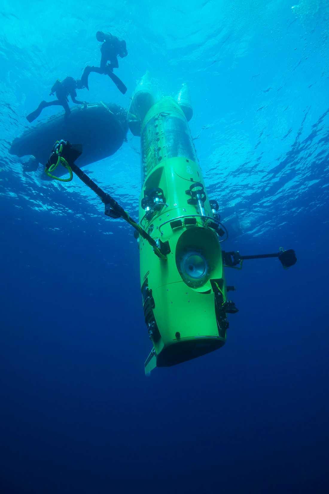 VÄRLDENS LÄGST BELÄGNA PUNKT Challengerdjupet i Marianergraven i västra Stilla havet ligger 11 024 meter under havsytan.