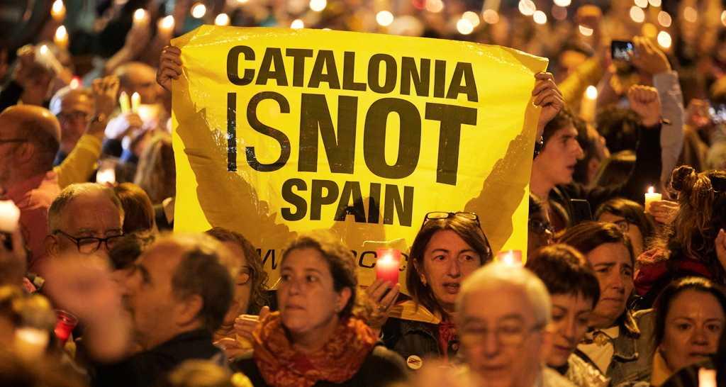 I Katalonien protesterar många mot Högsta domstolens beslut.