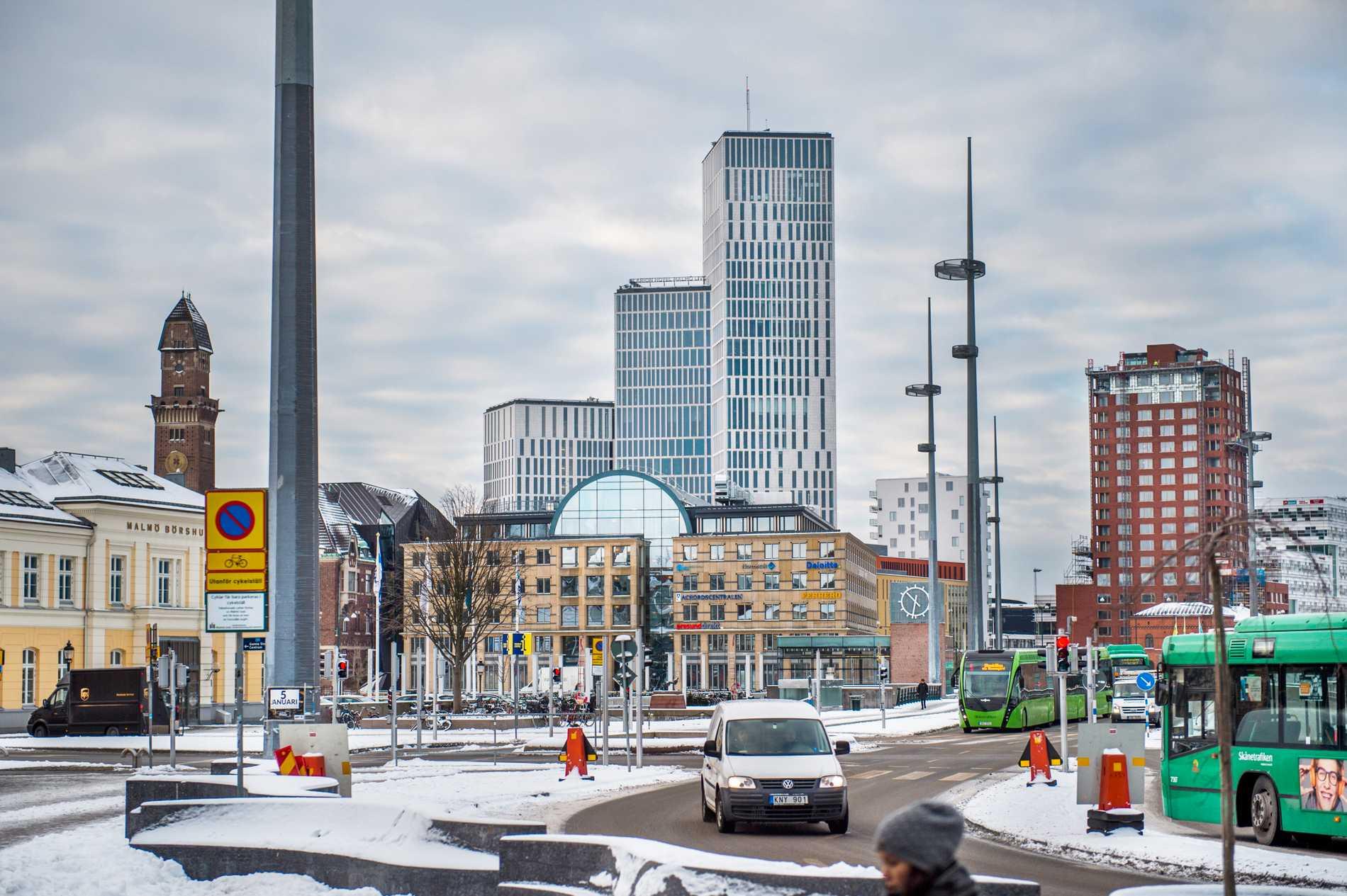 Området runt Malmö Live blandar nytt och gammalt.