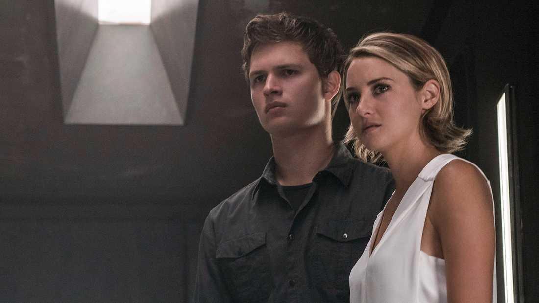 """Ansel Elgort och Shailene Woodley i""""The Divergent Series: Allegiant."""""""