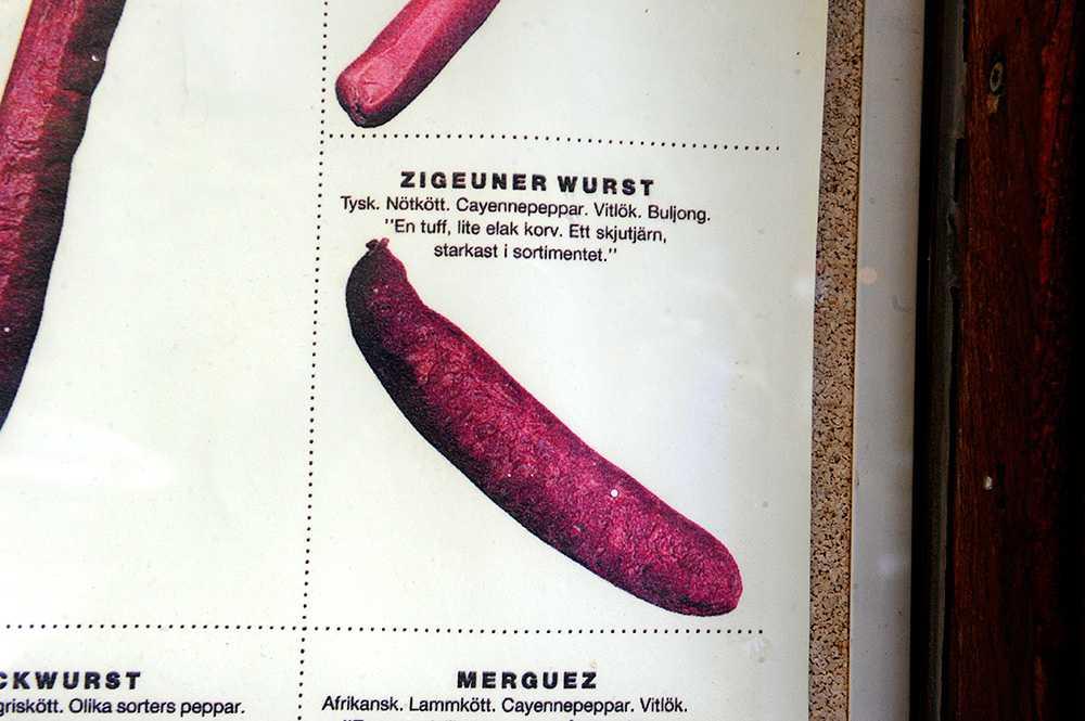 """Korvkiosken """"Günthers"""" i Stockholm har """"zigeuner wurst"""" på menyn – vilket har väckt starka reaktioner."""