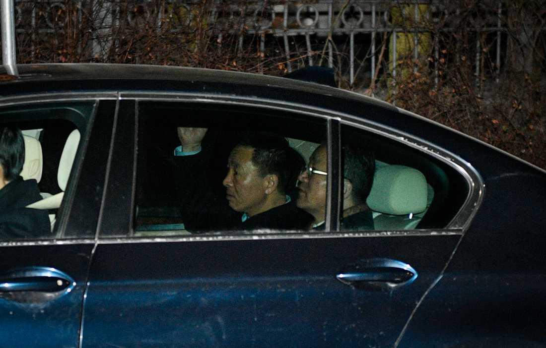 Nordkoreas utrikesminister Ri Yong-Ho med delegation besökte Nordkoreas ambassad på Lidingö i Stockholm under torsdagskvällen.
