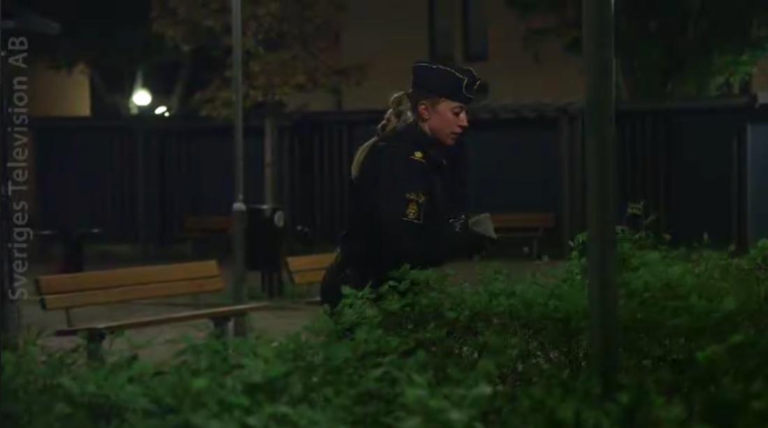 Polis på plats i området.