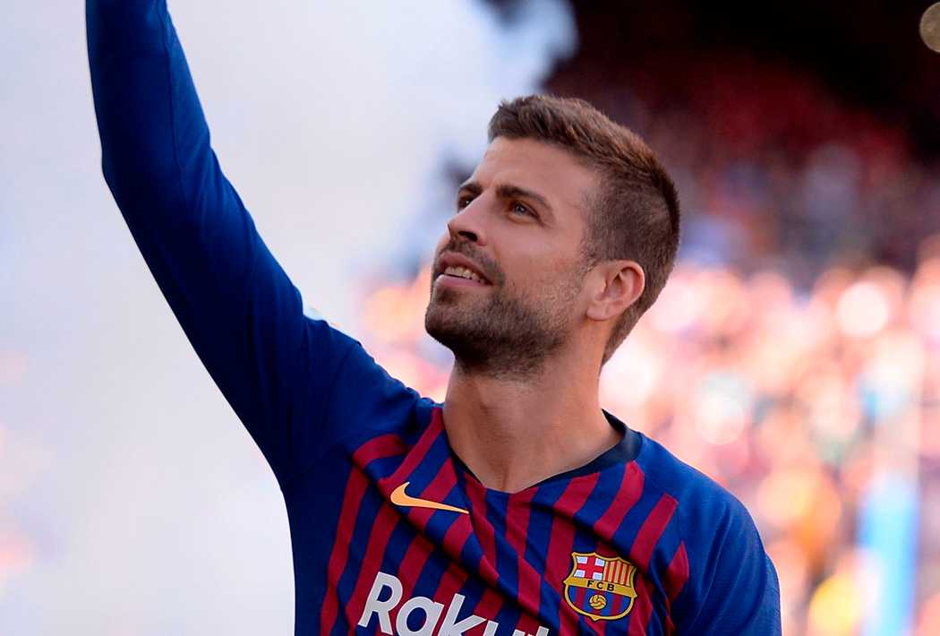 Pique i Barcelona-tröjan.