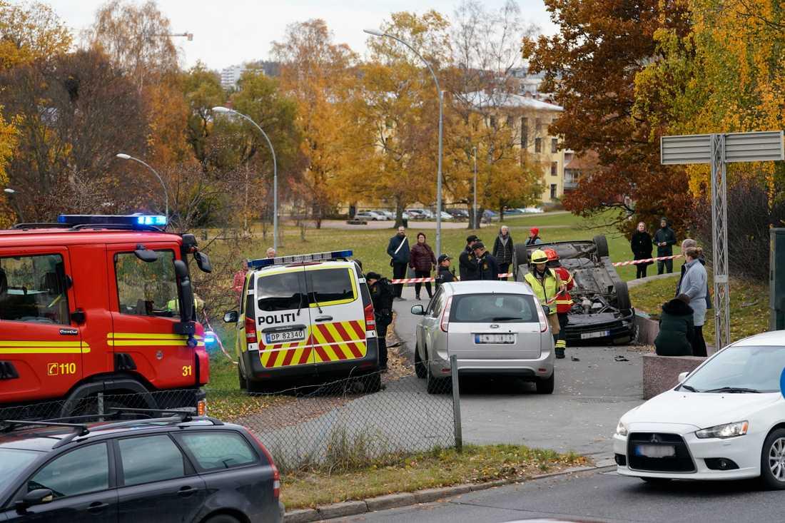 En beväpnad man har stulit en ambulans i Oslo.