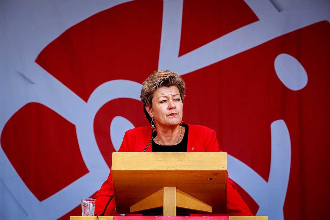 SÄKRARE JOBB I ett läge där arbetsgivarna skriker efter folk borde fokus i politiken vara just den som Ylva Johansson har: fler korta utbildningar till jobb som faktiskt efterfrågas.