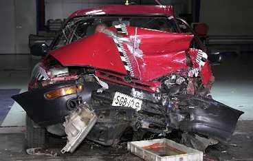 Toyota Corolla-modellen från 1994 saknar krockkudde - en dödsfälla för föraren vid en frontalkrock.