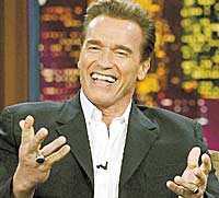 TAFSAR Den brittiska tv-reportern Anna Richardson anklagar Arnold Schwarzenegger för att ha tagit henne på brösten. Sammanlagt är ett tiotal fall av sexuella trakasserier där han är inblandad under utredning.