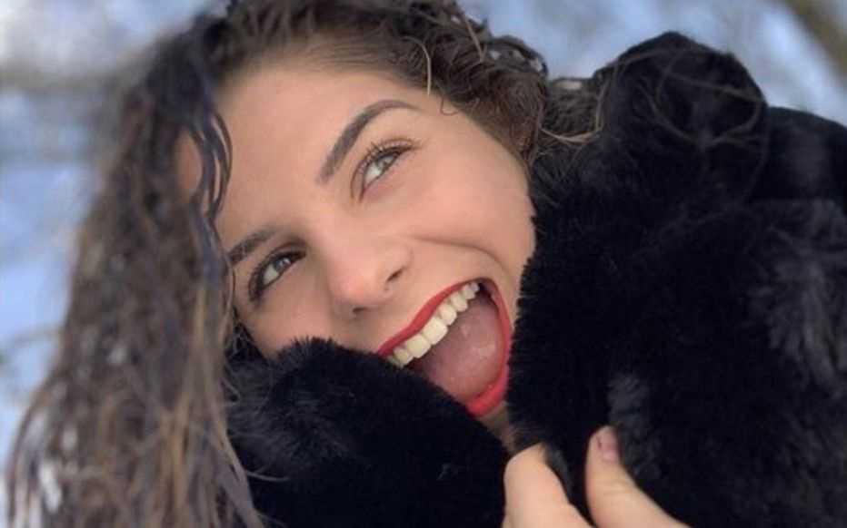 Franska Julie, 16, dog i covid-19.