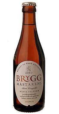 ++++ Bryggmästarens Pilsner Åbro Styrka: 5,0 % Pris: 10:90 kr/33 cl Omdöme: Blommigt besk med en torr nyans av mango.