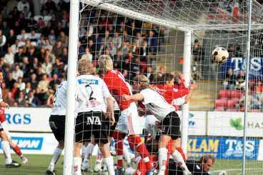 Målet som höll på att knäcka Örebro.