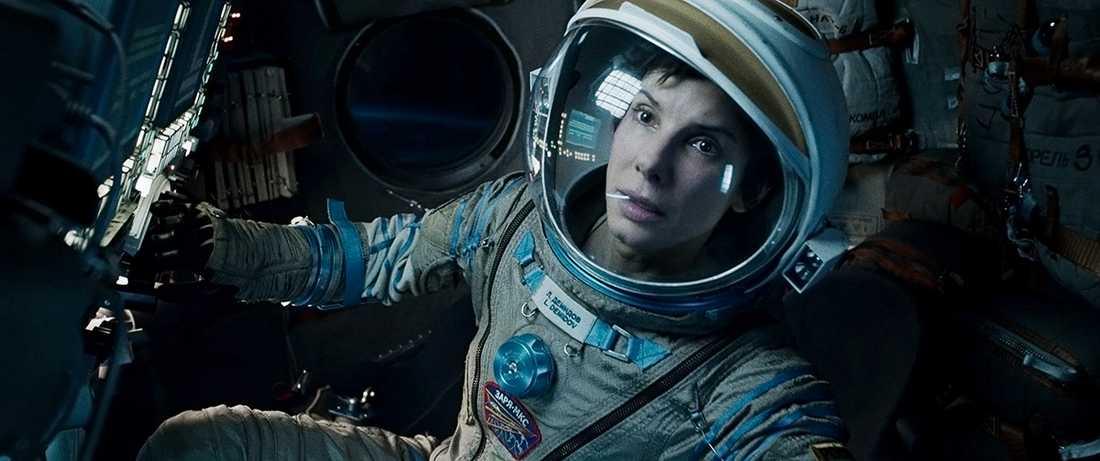 """""""Gravity"""" med Sandra Bullock och George Clooney har utsetts till en av 2013 års bästa filmer."""