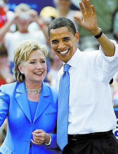 Barack Obama med sin blivande utrikesminister Hillary Clinton.