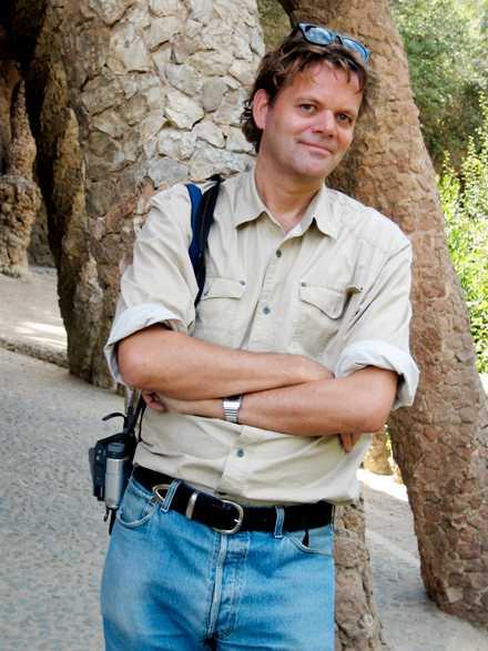 Thomas Gustafsson är journalist på Aftonbladet, hispanist och författare till flera böcker om Kuba, Spanien och Latinamerika.