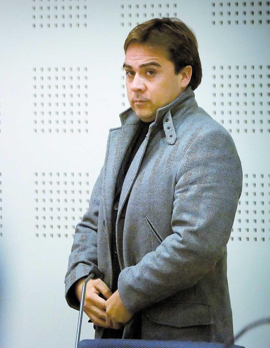 MISSTÄNKT VÅLDTÄKT Världsartisten Tito Beltran sitter häktad misstänkt för våldtäkt sedan en månad tillbaka.