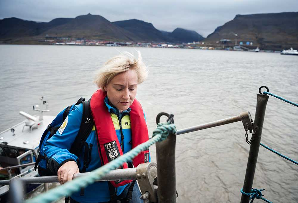 """""""Jag är otroligt glad att få komma till ett arktiskt område"""", säger Helene Hellmark Knutsson."""