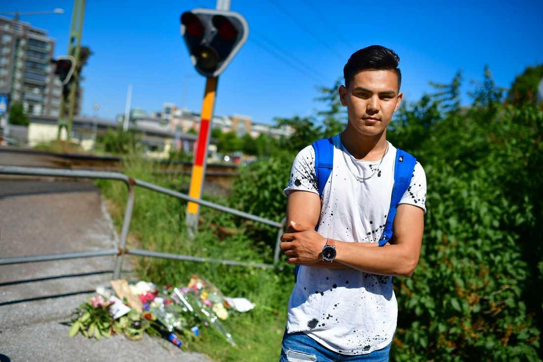 Vännen Tareq Noori, 18, brukade spela volleyboll med 17-åringen som omkom vid järnvägsövergången.