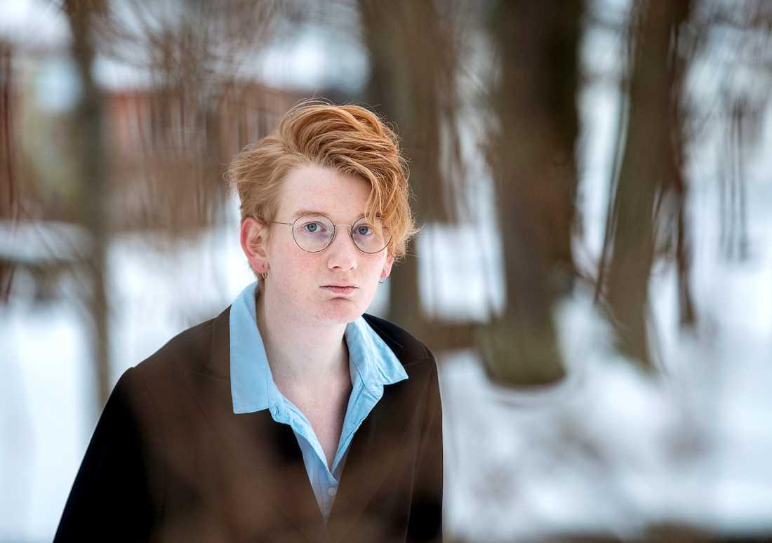 """Vikky Engdahl: """"Egentligen är det inte jag som har problem med min könsidentitet, det är alla andra."""""""