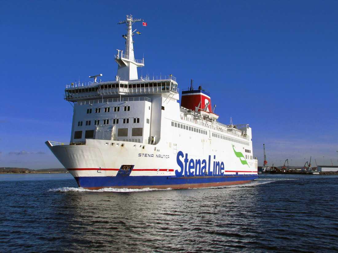 I kväll lämnar Stenafärjan Nautica Varbergs hamn för sista gången.Linjen får ny sträckning och går från och med lördag från Halmstad. Arkivbild.