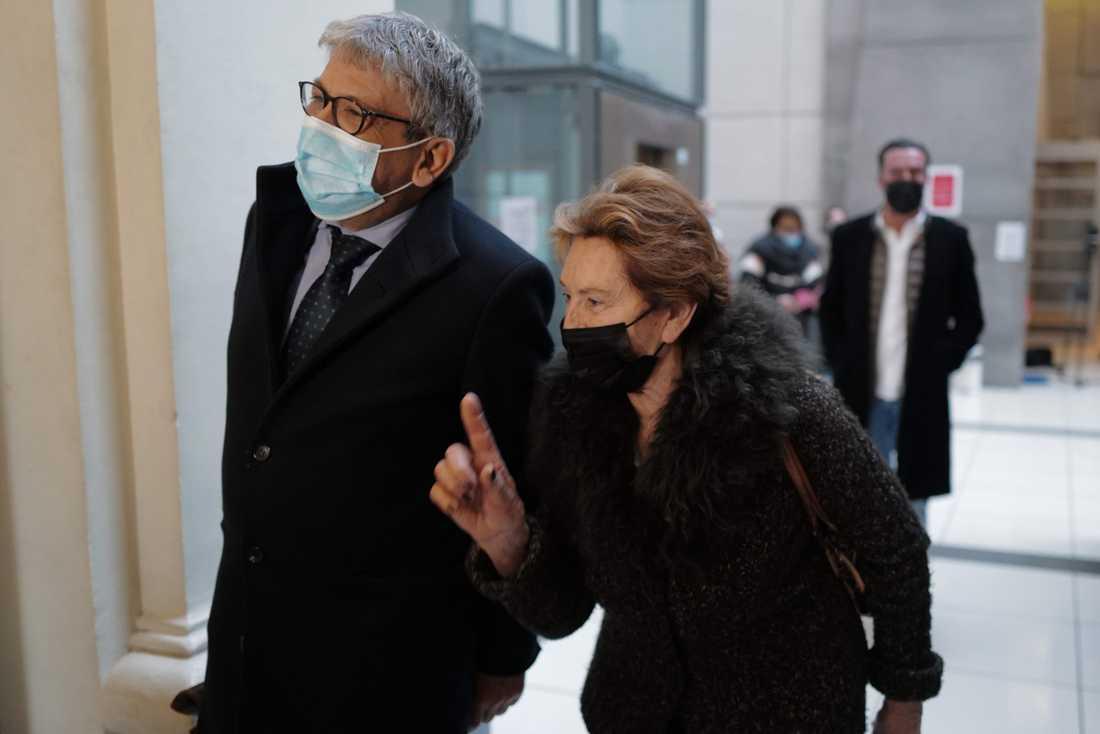 Jacqueline Veyra och hennes advoka Luc Febbraro vid domstolsbyggnaden tidigare i januari.