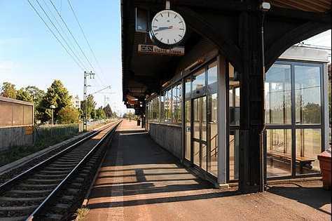 DUMPADES I KUMLA Den 11-åriga flickan kastades av tåget och försvann.